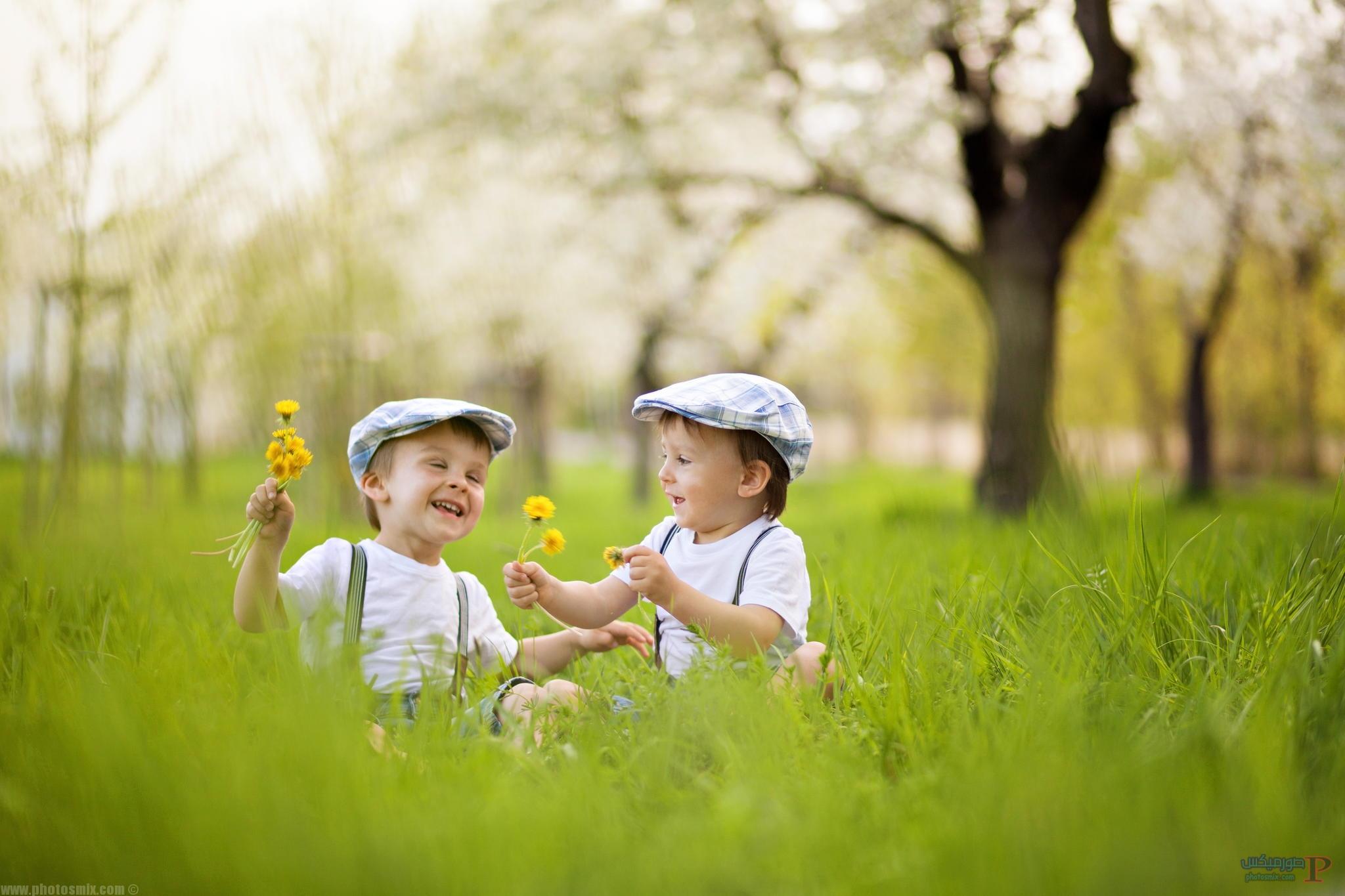 صور اطفال يلعبون 5