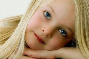 -صور-بنات-صغيرة-حلوة-300x199 اجمل صور بنات 2018 , اجمل صور بنات اطفال , خلفيات بنات صغيره جميلة جدا
