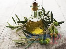 فوائد زيت الزيتون للبشرة والشعر ووصفات طبيعية في المنزل