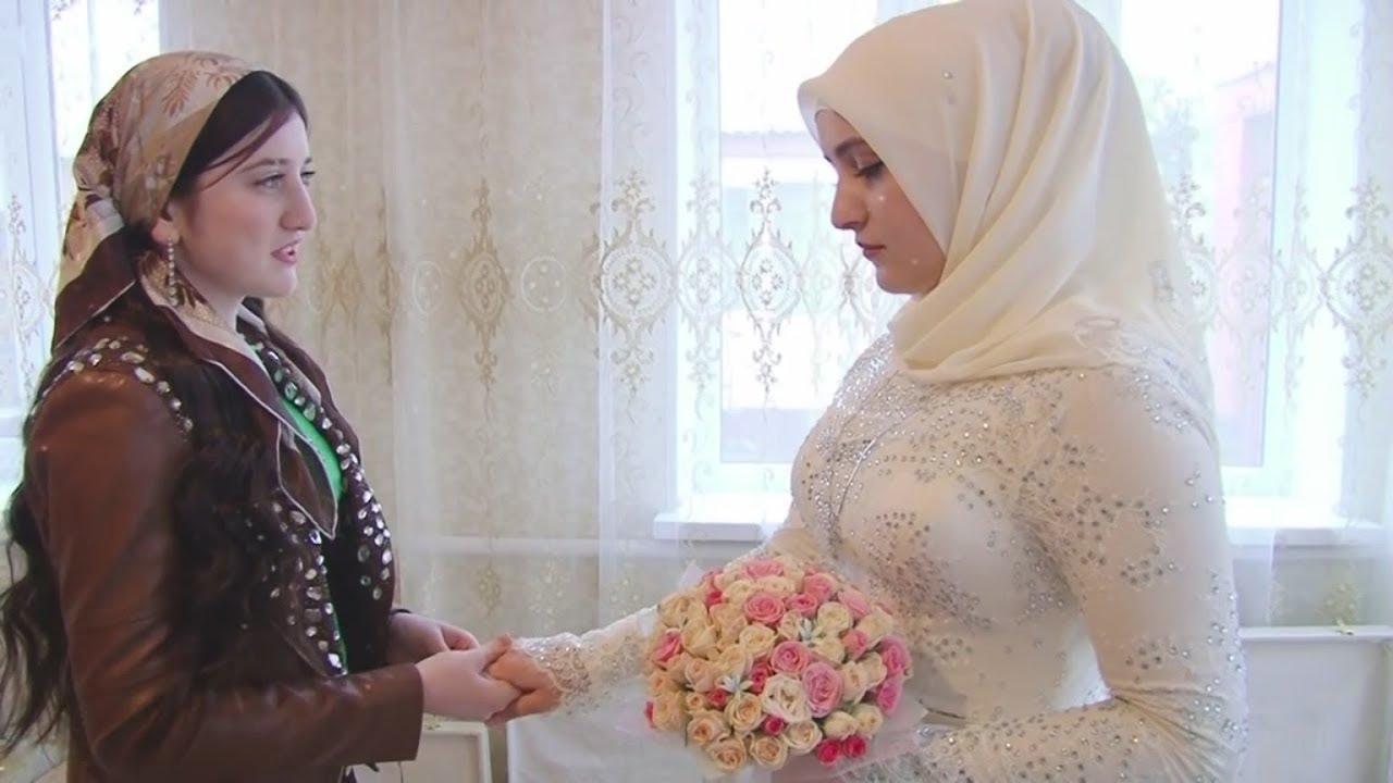 صور مكتوب عليها اخت العروسه 2020 35