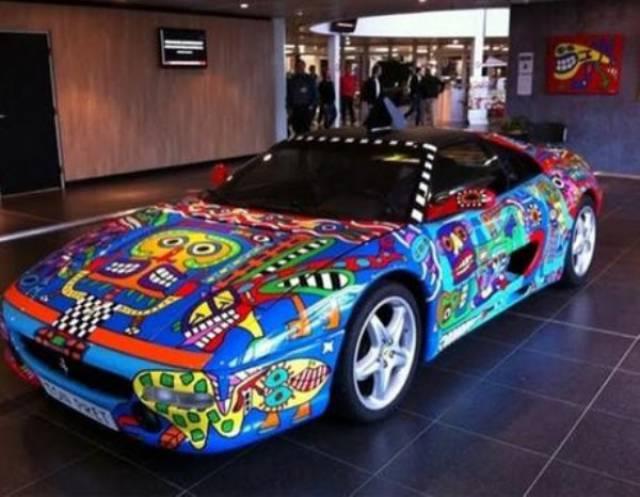 أغرب ألوان السيارات الفاخرة 1