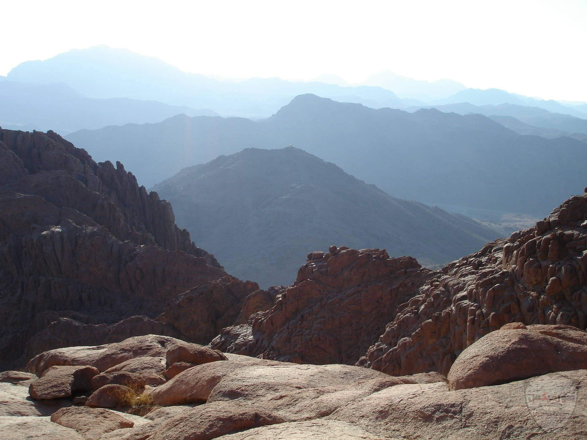 بالصور.. شلالات المياه تزين جبال سانت كاترين 8