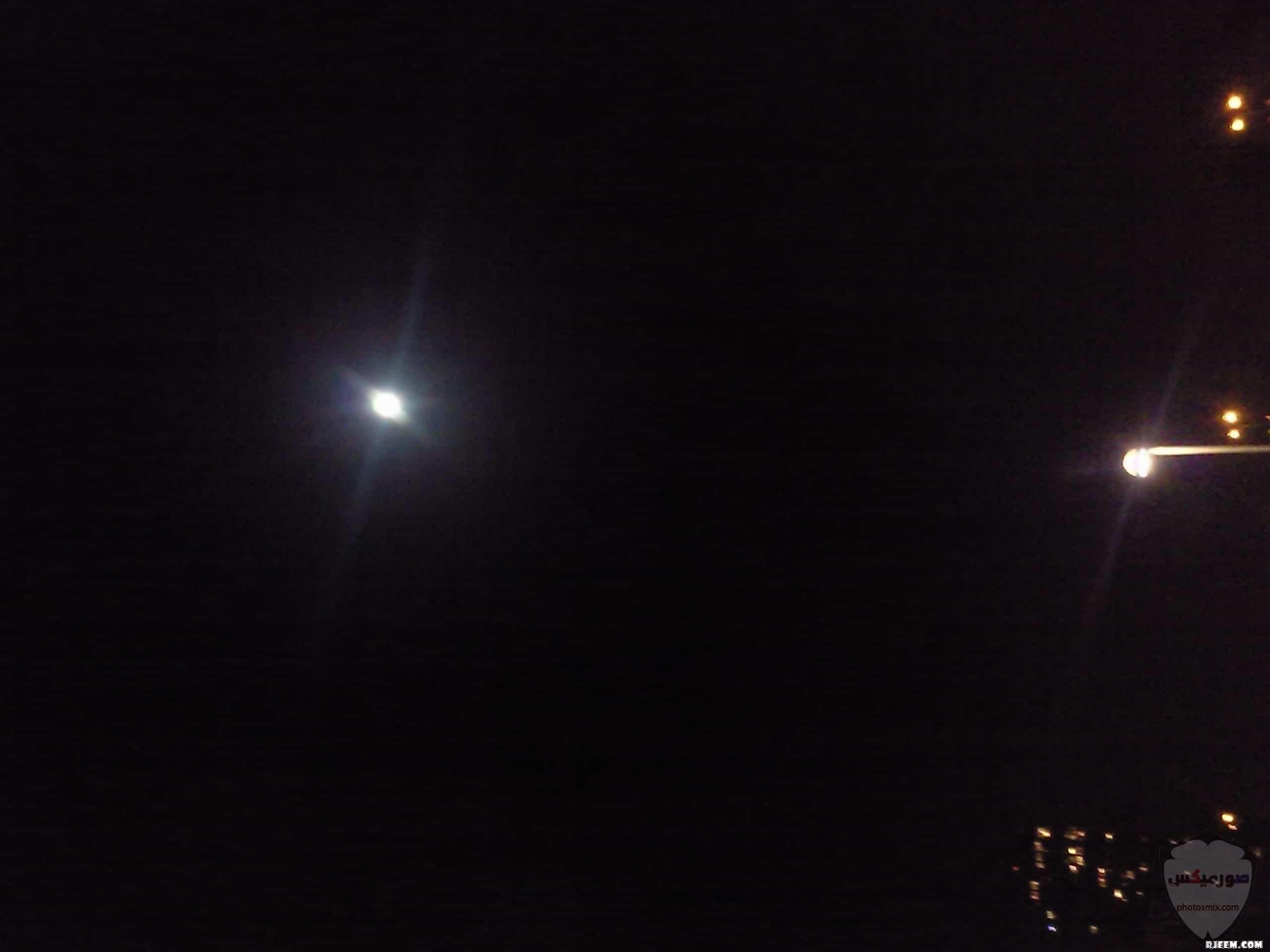 صور القمر العملاق رمزيات عن القمر العملاق صور قمر وسط النجوم 5