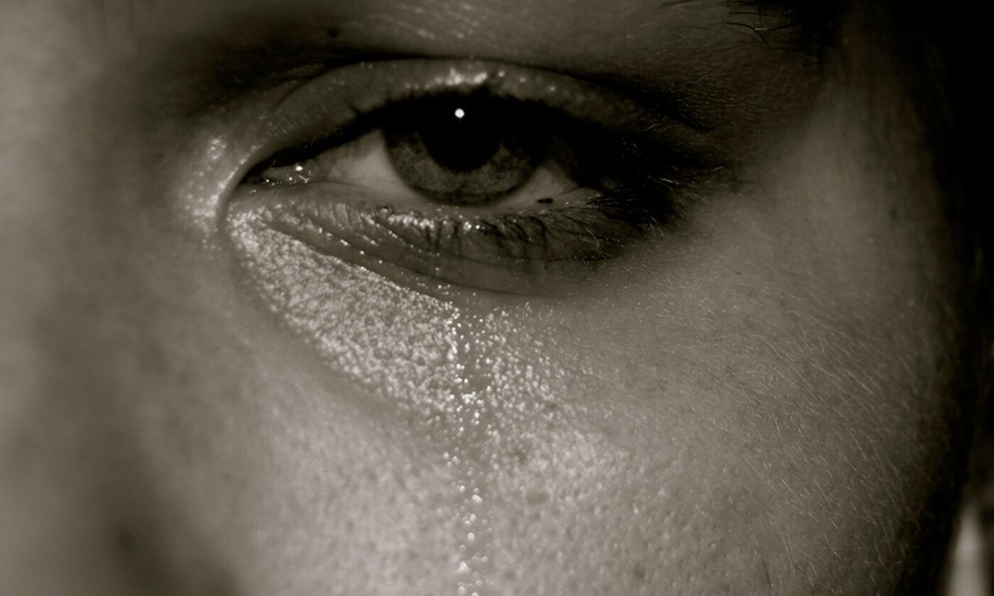 صورحزينة مع عبارات 6