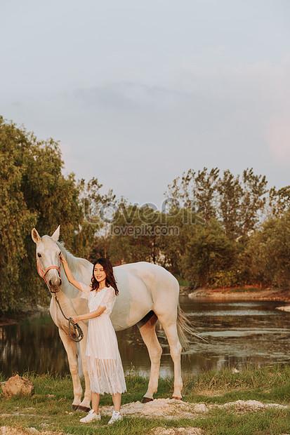حصان ابيض 29