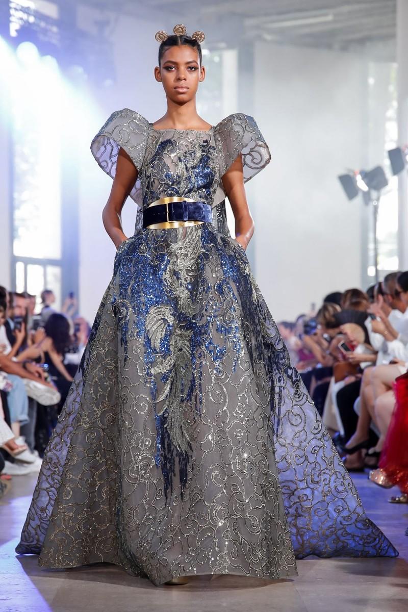 ملابس بنات عرض ازياء فستان سهرة صور فساتين سهره صور ملابس 2020 42