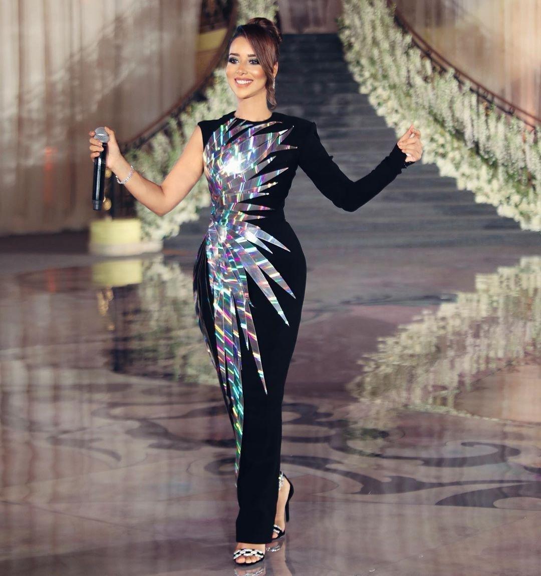 ملابس بنات عرض ازياء فستان سهرة صور فساتين سهره صور ملابس 2020 9
